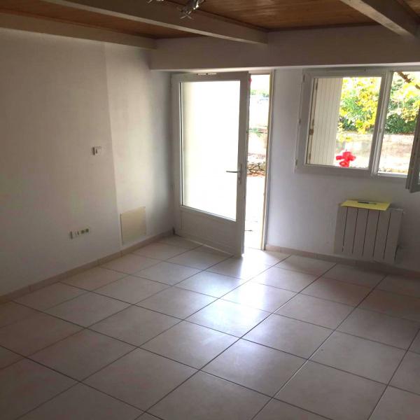 Offres de location Maison de village Saint-Geniès-de-Malgoirès 30190
